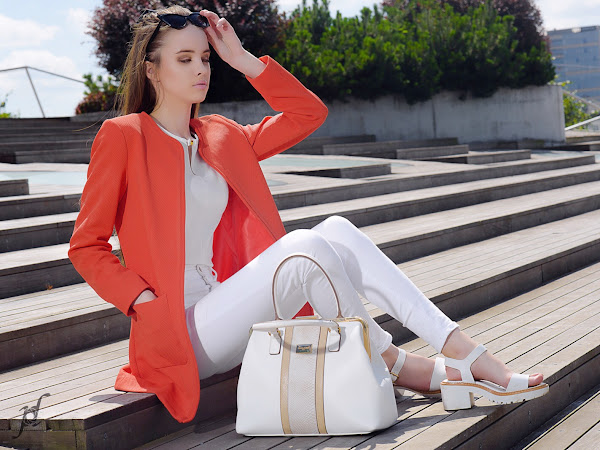 Outfit of the day: Coral red and elegant white