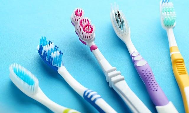 Diş Fırçası Nasıl Olmalı ? Doğru Diş Fırçası Nasıl Seçilir ? >>>
