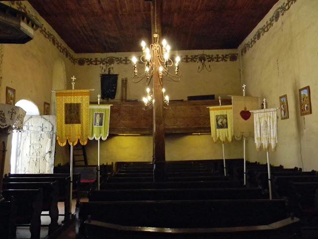 Jak wygląda wnętrze kościoła w Studzieńcu?