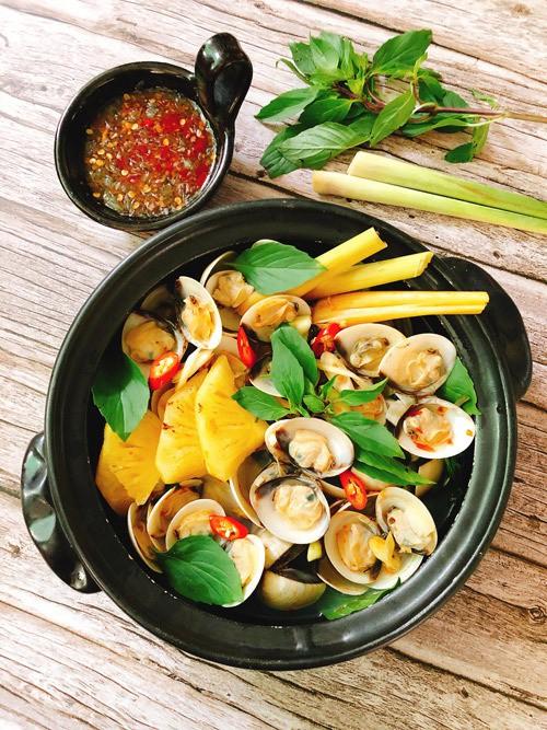 Cách làm nghêu nấu nước dừa thơm ngon lạ miệng
