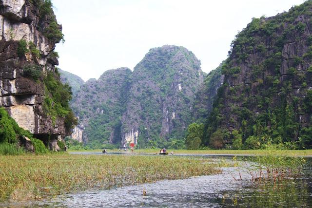 Visitar NINH BINH - Cruzando as grutas de Tam Coc | Vietname