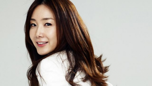 Choi JI Woo Is Considered Most Beautiful Actress Of South Korean Film Industry She Was Born On 11 June 1975 In Korea And Also Got Fame By Working