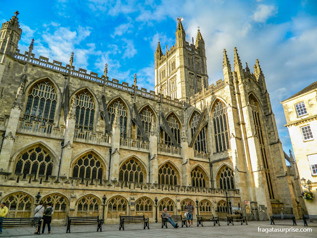 Fachada lateral da Abadia de Bath, Inglaterra