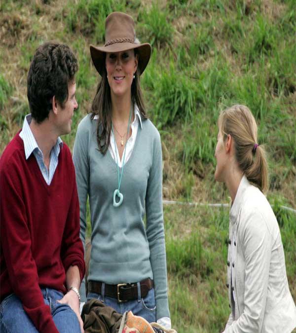 58ec687690d53 fashionjewellery  Kate Middleton Safari Hat