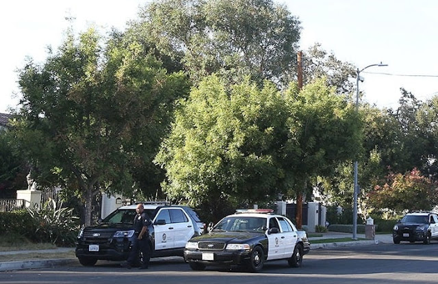 El departamento de policía cree que Puig, y otras personas de alto perfil, fueron atacados por una red de ladrones que sabía cuándo Yasiel (y otros) estaban fuera de sus hogares