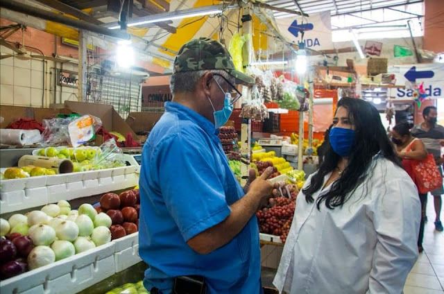 Locatarios de mercados de denuncian extorsión de inspectores municipales y líderes sindicales