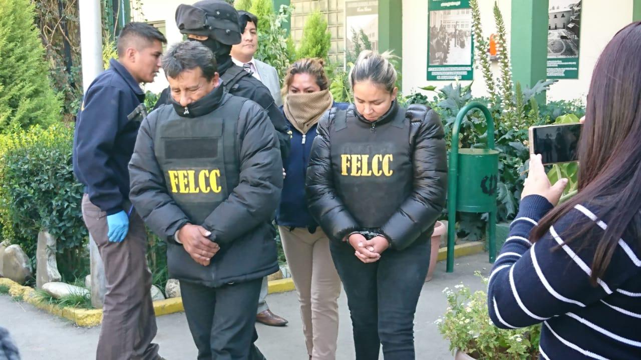 Una pareja que forma parte de la banda que produjo al menos tres atracos en El Alto / ÁNGEL SALAZAR