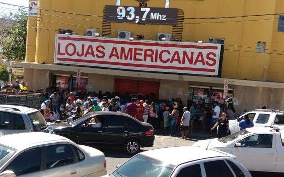 f1becb3222032d Black friday agita lojas em Arcoverde com multidão nas Americanas ...