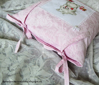 подушка с завязками