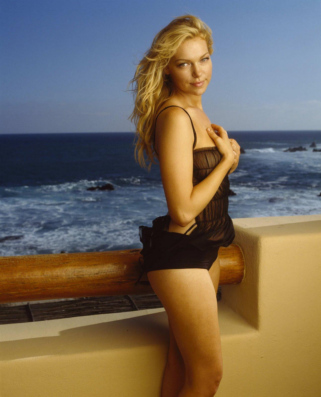 Laura Prepon Bikini Pics 7