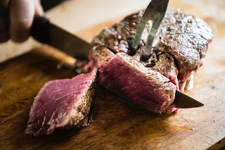 Benarkah Makan Makanan Berlemak Seperti Daging Kambing Dan Sapi Tidak Boleh Minum Es?