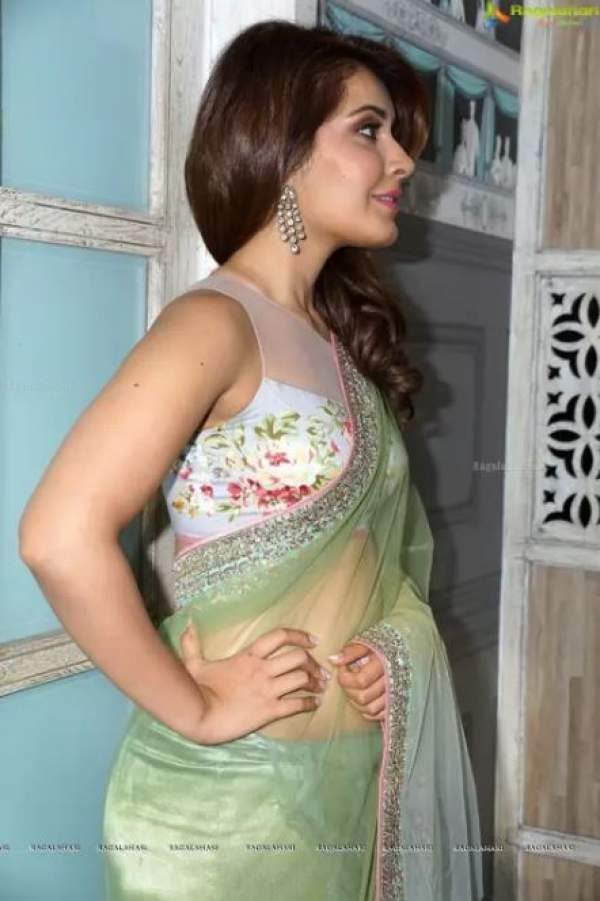 rashi-khanna-saree-look-getting-viral