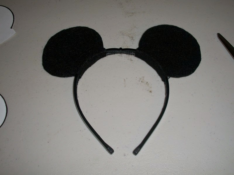 DIY Mickey Mouse ears headband