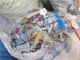 Gambar 4.1 Limbah plastik yang digunakan sebagai bahan bakar.