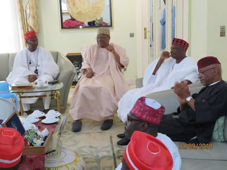 Kwankwaso Meets IBB With Red Cap Squad (Photos)