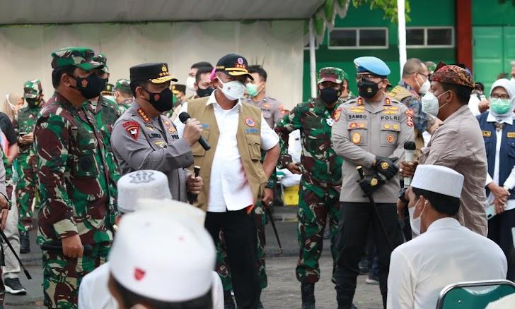 Inilah Panglima TNI dan Kapolri Dengarkan Keluhan Warga Bangkalan