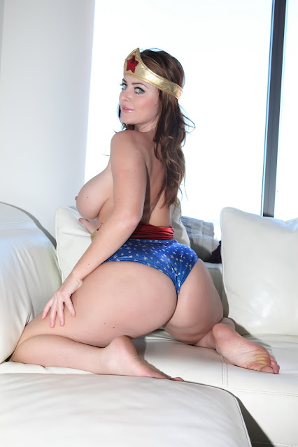 Sophie Dee wonder woman naked boobs sexy ass back pose