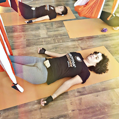 yoga aerien, aeroyoga, air yoga, pilates, pilates aerien, fly, flying, gravity, apesanteur, cours, classes, yoga reparateur, stage, formation, stress, anti, yoga nidra