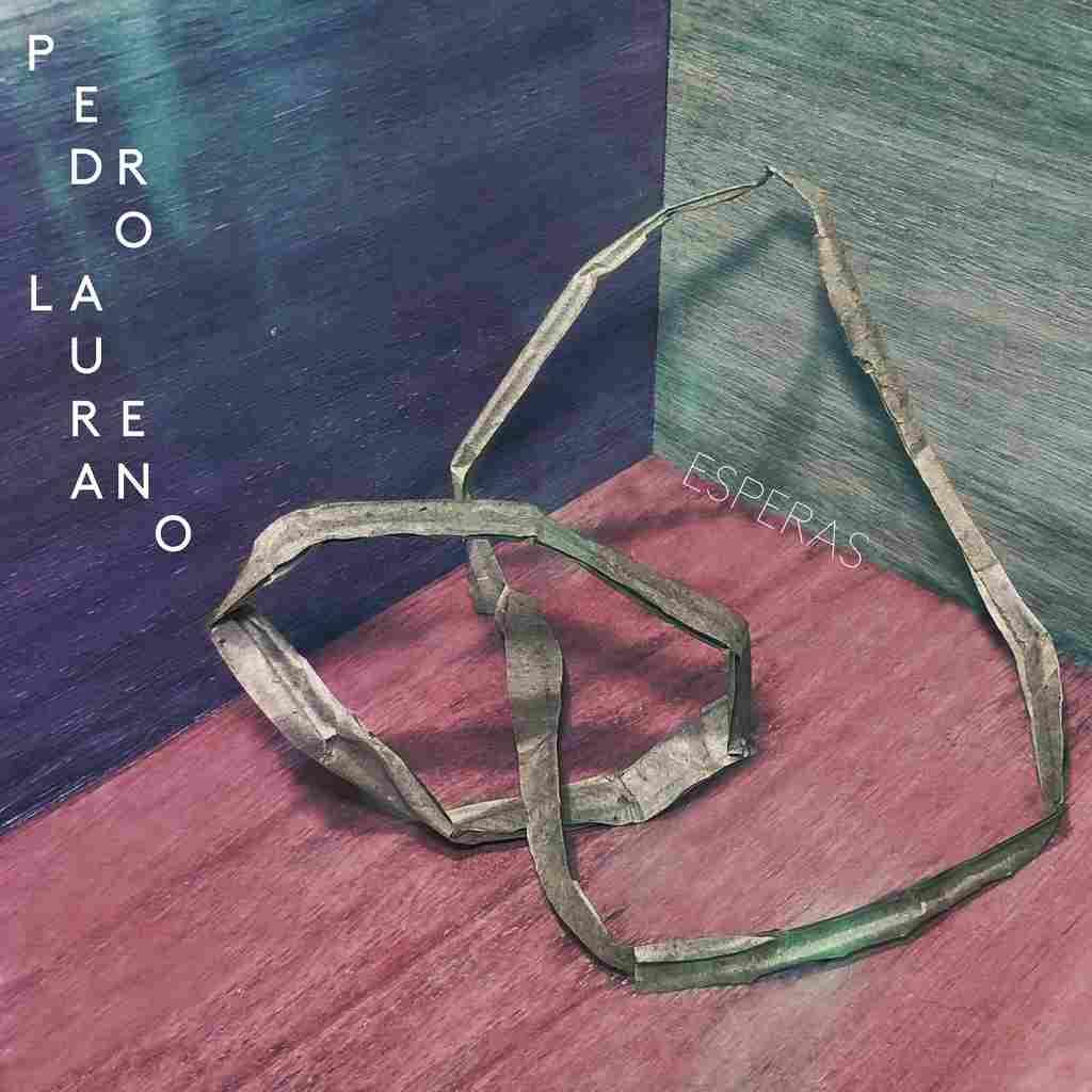 """O  carioca Pedro Laureano estreia como artista em """"Esperas"""", seu primeiro álbum"""