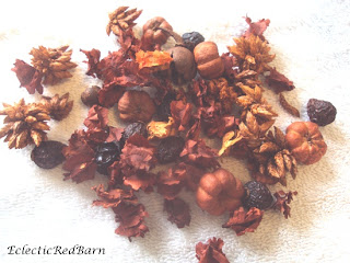 fall potpourri with little pumpkins