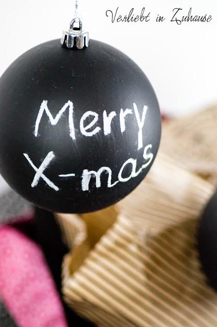 Wichtel-Geschenke bzw. DiY: Weihnachtskugeln mit Tafellack streichen