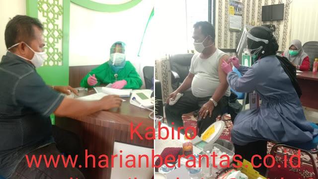 Wartawan Harian Berantas Terima Vaksin Covid-19 Dari Dinkes & Kemenag