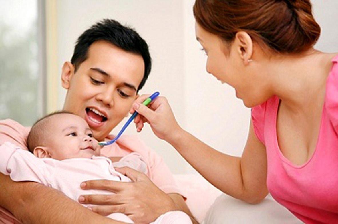 Chia sẻ kinh nghiệm nỗi khổ chăm con của vợ các ông chồng nên biết