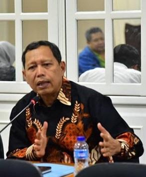 IRONIS: Pelabuhan Patimban Dibuka, Bandara Kertajati Ditutup