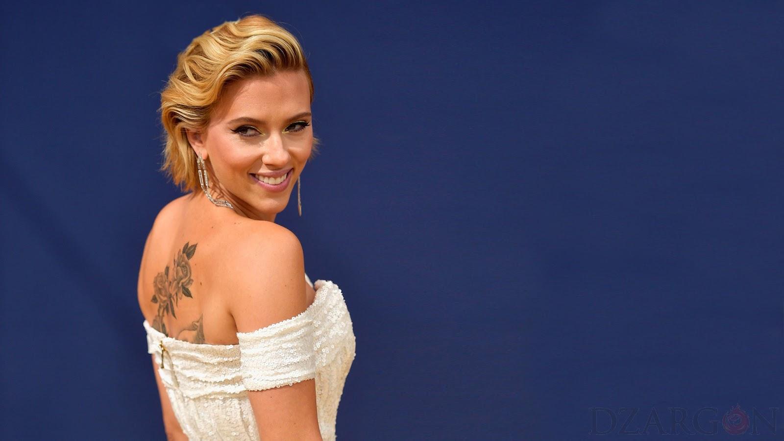 Mobile Wallpaper Scarlett Johansson Artis cantik dan manis