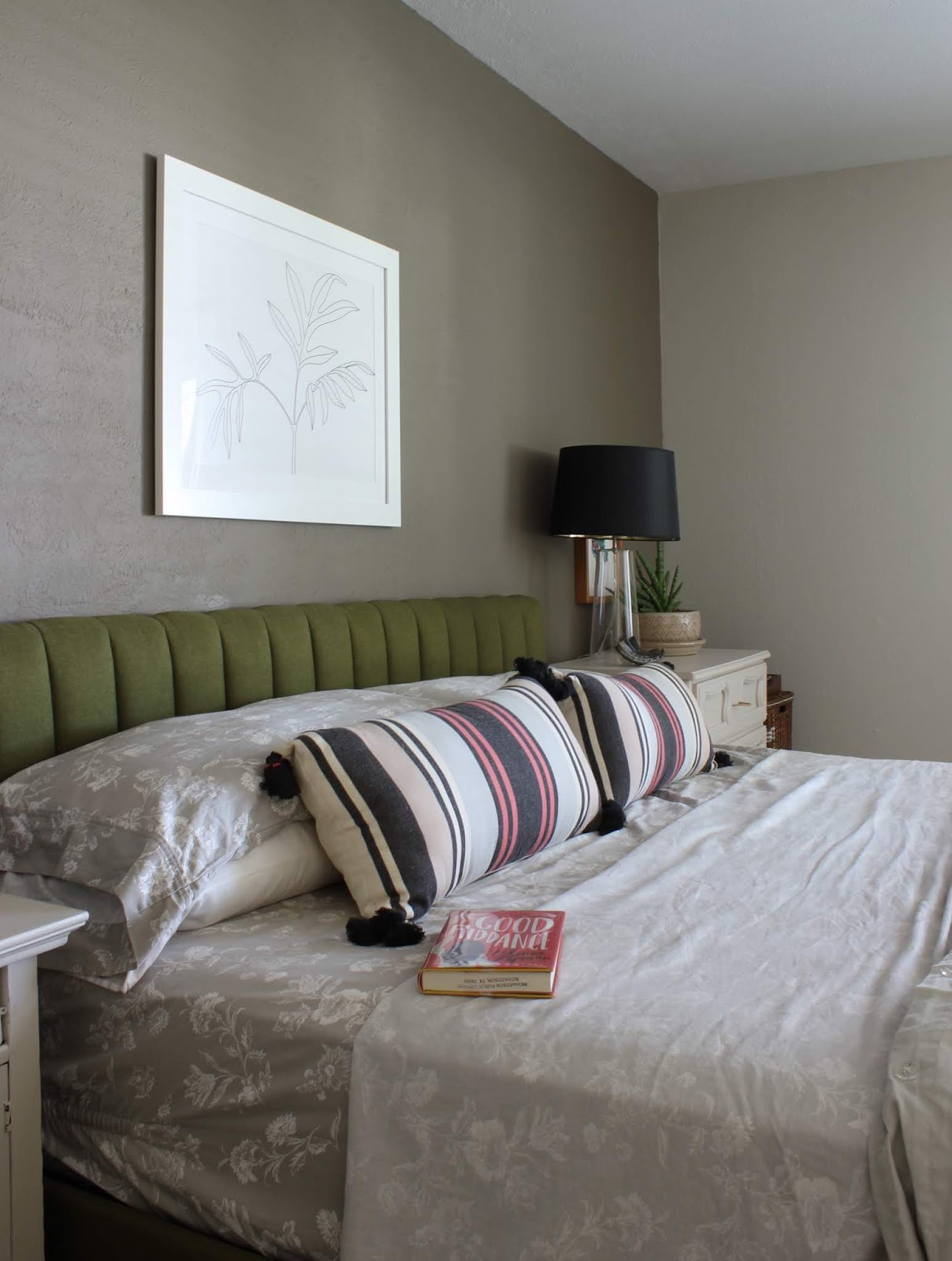 We've lived in our house a whole year!! Check out the tour and a round up of projects I've done. It's been great!   House Homemade SW Warm Stone bedroom
