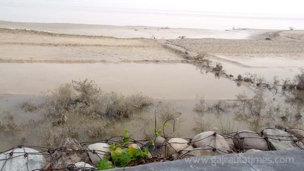 flood in ganga picture