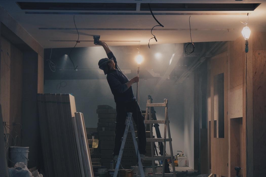 Jak zadbać o komfort i bezpieczeństwo swojego pracownika?