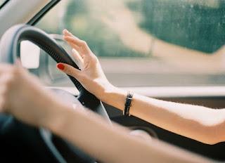 Berbagai masalah memang kerap kali menghampiri mobil probadi kita Penyebab setir mobil kadang miring kiri dan kanan di jalan lurus