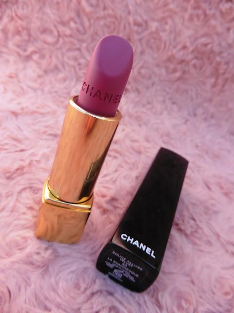 La Romanesque de Chanel numéro 50 Rouge Allure Velvet