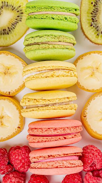Free wallpaper for Macarons, Cookies, Berries, Fruits