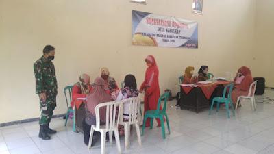 Babinsa Koramil Kaloran Koptu Suranto Dampingi Penyerahan BST Tahap III Desa Binaan