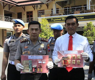 Dua Tersangka Kasus Narkoba Ditangkap Satresnarkoba Polres Lumajang