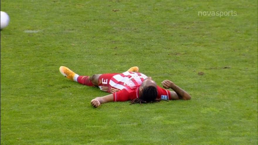 Λαμία-Ολυμπιακός: Ανησύχησαν όλοι με τον τραυματισμό Σεμέδο!