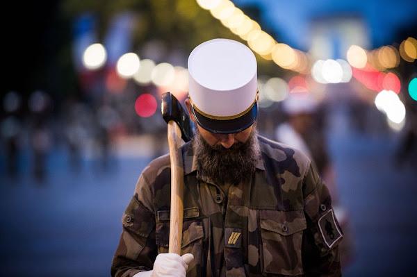 « Pour un retour de l'honneur de nos gouvernants » : 20 généraux appellent Macron à défendre le patriotisme