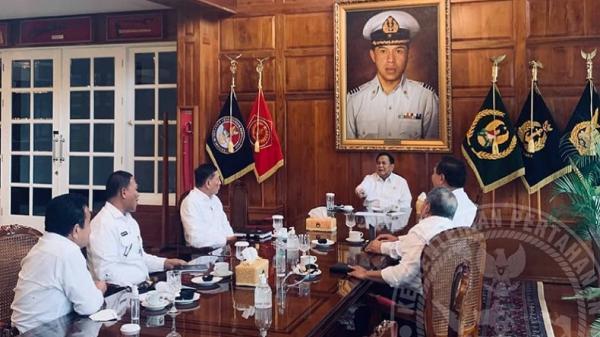 Prabowo Didatangi 5 Jenderal Berbaju Putih, Apa yang Terjadi?