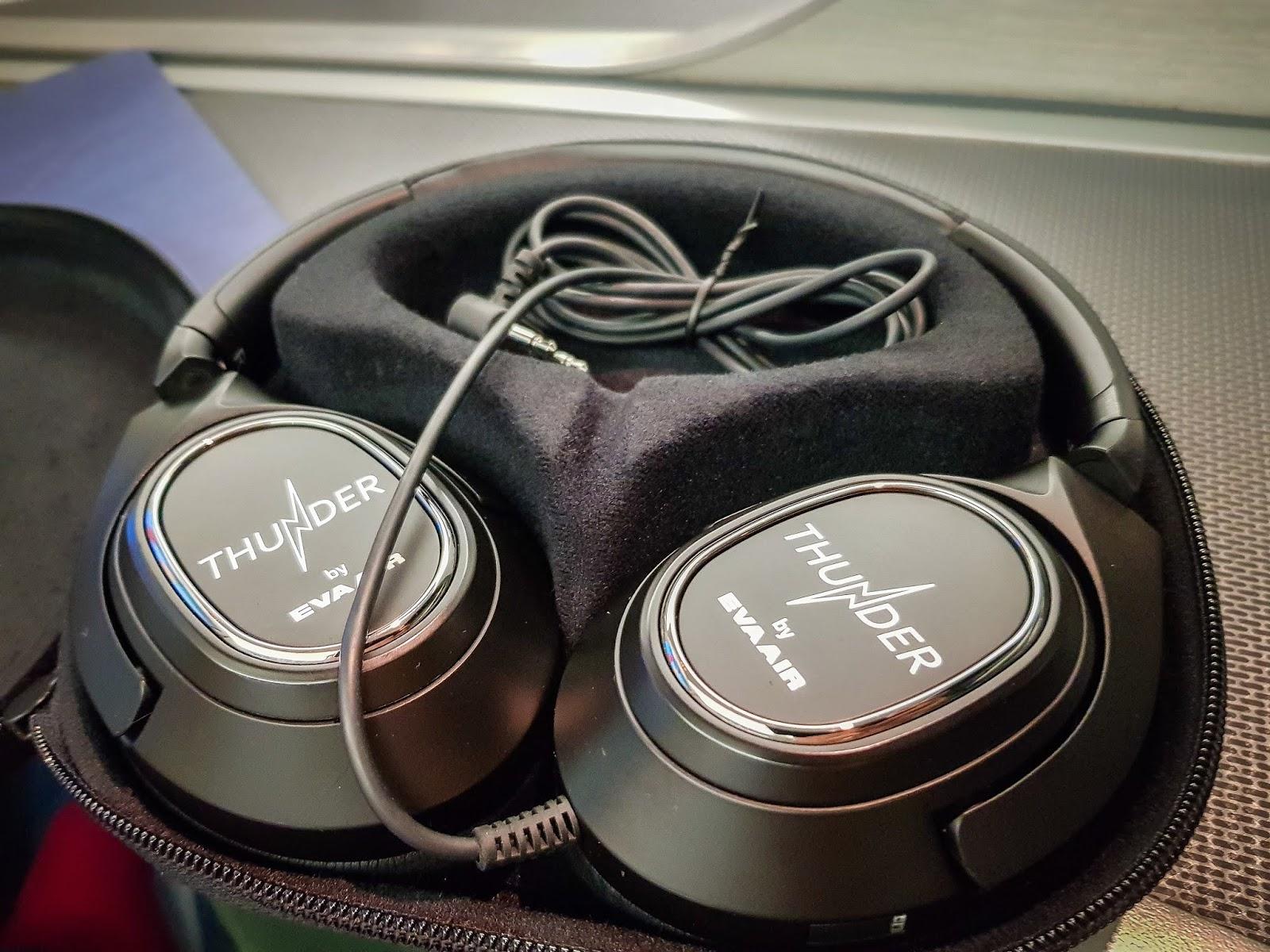 飛行|長榮航空 77W 商務艙 BR87 桃園→巴黎 TPE-CDG thunder 抗躁耳機