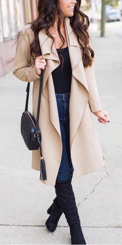 Winter is a great time to step up your personal style. See these 24 Trendy Winter Fashion Ideas for Not So Cold Days. Winter Outfit Ideas for Women via higiggle.com | trench coat | #winter #fashion #coat