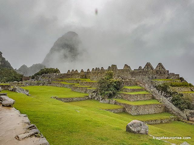 Praça Principal de Machu Picchu e a montanha sagrada de Waynapicchu