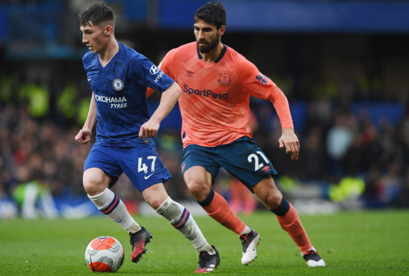 Chelsea's Billy Gilmour in action against Everton's Andre Gomes