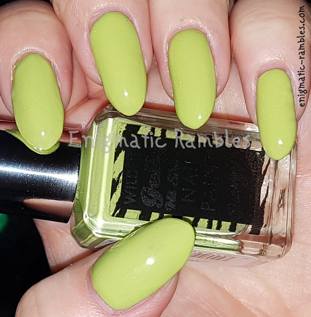 Swatch-Barry-M-Rainforest-Green-Gelly-Wildlife-Collection-2020