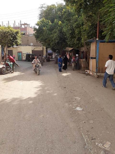 فض سوق قرية بلصفورة فى سوهاج منعا للتزاحم بسبب كورونا