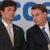 Bolsonaro lança Médicos pelo Brasil com salário de até R$ 31 mil