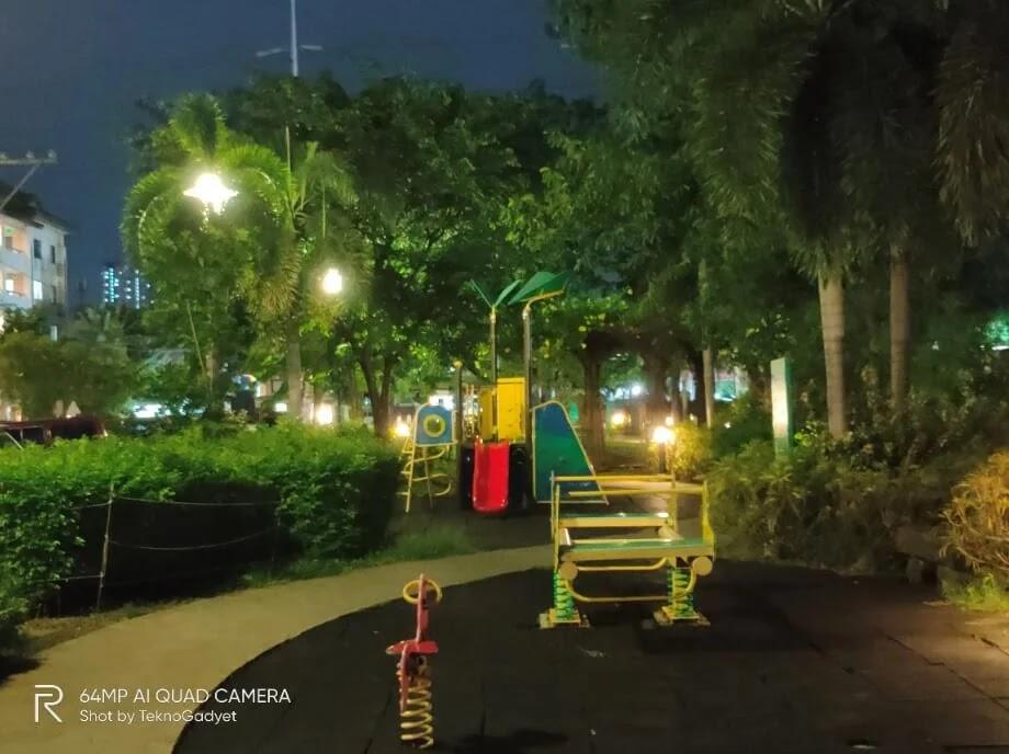 realme X3 SuperZoom Camera Sample - Playground, Night, Zoom 2x