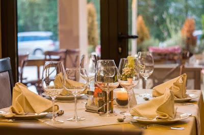 gestión de reservas de mesas en el restaurante