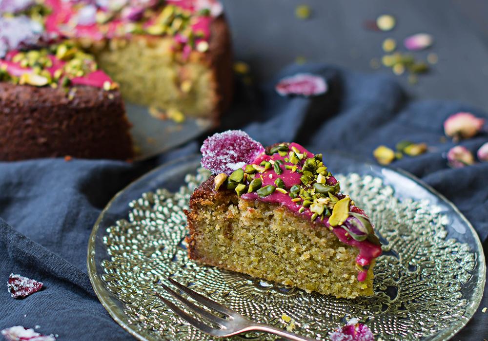 Liebeskuchen mit Rosen und Pistazien  - Love Cake nach Ottolenghi und Goh